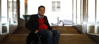 Im Rollstuhl: Leistungsträger mit Behinderung