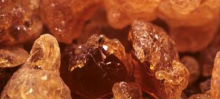 Gummi Arabicum:Abhängig vom Krisenkleber