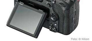 Nikon D500: Touch UND Klapp !