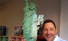 Stein auf Stein: Mirko Reeh eröffnet Klötzchen-Paradies für kleine und große Lego-Fans
