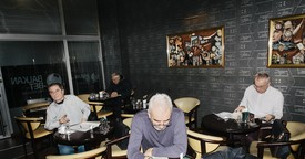 Wetten und Pivo trinken: Ein Freitagabend in einem Belgrader Wettbüro | VICE Sports