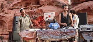 Auf einem illegalen Techno-Festival in der jordanischen Wüste | VICE | Deutschland
