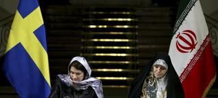 """Streit über Iran-Reise von schwedischer Ministerin - Die """"erste feministische Regierung der Welt"""" trägt Kopftuch"""