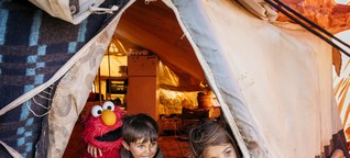Wieso, weshalb, warum kommt die Sesamstraße ins Flüchtlingslager?