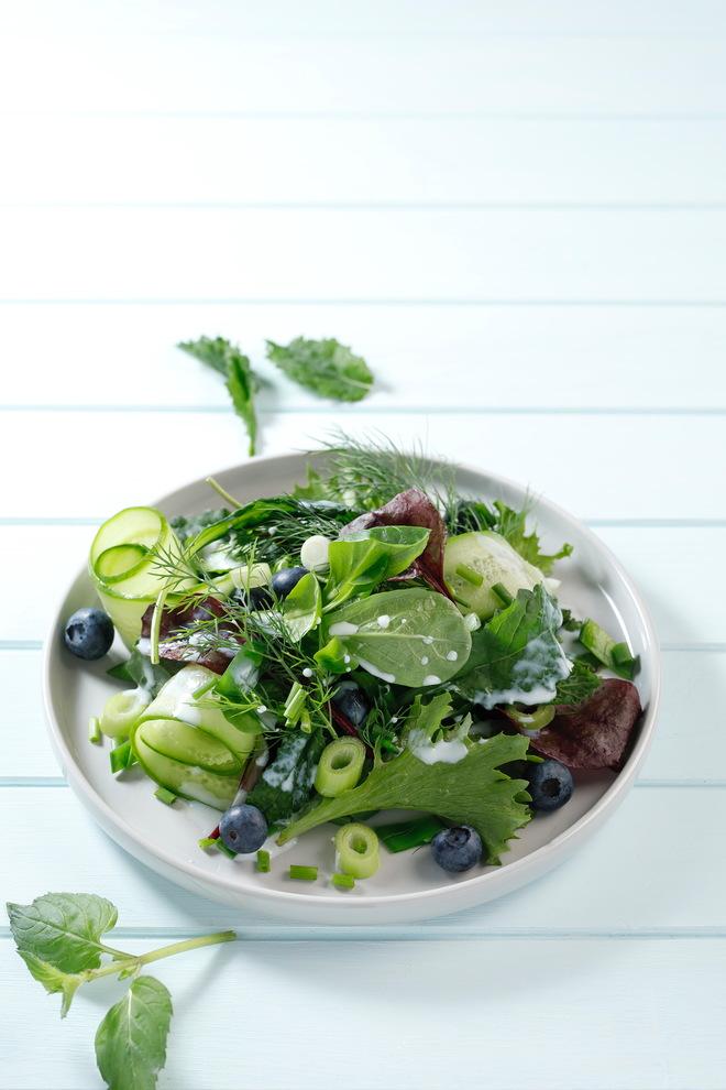 Leichter Sommersalat   © Ann-Christin Baßin