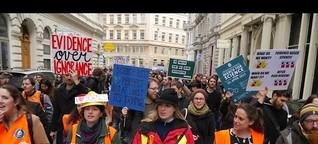 Eine Demo für Fakten und gegen Fake-News