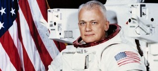 Bruce McCandless, First NASA Astronaut space To Fly Untethered Dies At Age 80
