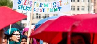 """Kopftuchstreit in der feministischen Szene: """"Es geht um unsere Frauen"""""""