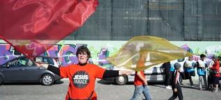 Mit Jesus durch das Zürcher Bankenviertel Jesus-Parade