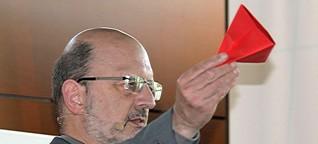 """Wissenschaftler: """"Angst macht Mathe zum Lernkiller"""" - Prof. Beutelspacher im Interview"""
