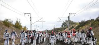 Ende Gelände besetzt Hambachbahn