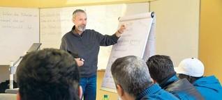 Kurse für Geflüchtete: Sie lernen, um zu bleiben