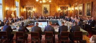 Männer-Gipfel im Rathaus: Dieses Foto zeigt, wer in Deutschland die Macht hat