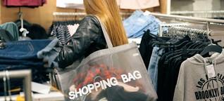 Millennials: Smartphone beim Shoppen ständiger Begleiter