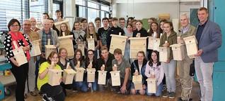 Schüler bauen Nistkästen für Neustädter Wälder