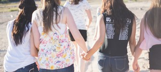 So benachteiligt sind Mädchen und junge Frauen weltweit
