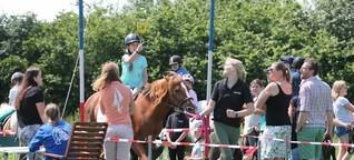 Ringreiten in Osdorf: Geschicklichkeit und ein gutes Auge sind gefragt