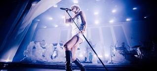 Wie Robyn bei ihrem Berlin-Konzert die freie Liebe und Anti-Herzschmerz feierte