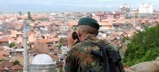 Besuch der NATO im Kosovo - Auslandsreportage