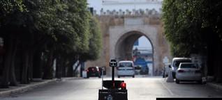 Mit Polizeirobotern und Drohnen -Tunesiens Methode zur Virusbekämpfung weckt bei manchen Erinnerungen an das alte Regime | NZZ