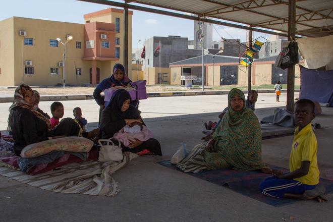 Flüchtling in Libyen. Von der Suche nach Hilfe und hilflosen Helfern.