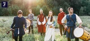 Junge Musiker aus Belarus: Wenn der Spielplatz zum Friedhof wird