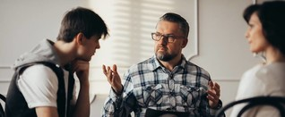 Bei welchen familiären Problemen kann eine Familienaufstellung helfen? - meinefamilie.at ✰