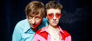 Debüt von Hamburger Ducks On Drugs: Zwei Fremdkörper, eine Liebe