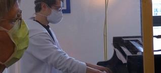 Brahms hinter Plexiglas: Besuch der Musikhochschule Würzburg