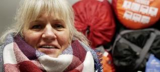 Essensausgabe in der Corona-Krise: Sie hilft, obwohl sie selbst nicht viel hat