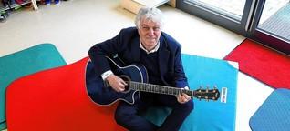 """Musik: """"Ein Kinderlied, das Erwachsene nicht mögen, hat keine Zukunft"""": Der Liedermacher Rolf Zuckowski erklärt, was gute Musik für kleine Menschen ausmacht"""