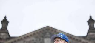 """Partei-Vorsitzender Martin Sonneborn: """"Der Bundestag ist ein florierendes Unternehmen"""""""