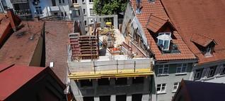 Bauruine mitten in der Konstanzer Altstadt? Seit drei Jahren besteht die Baustelle in der Hussenstraße