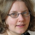 Dr. Iris Hinneburg
